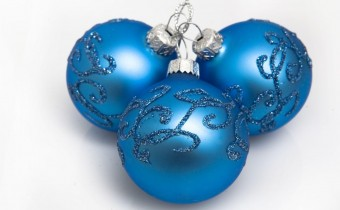 christmas_decorations-balloons-three-blue-lie-glitter-with-blue-christmas-decorations-ideas-picture